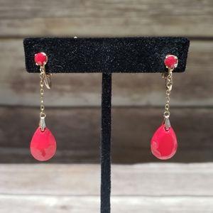 Vtg dainty red acrylic drop clip on earrings
